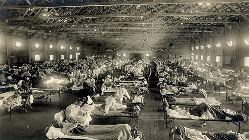 <p> 1918 & nbsp; યુ.એસ. માં સ્પેનિશ ફ્લૂ ફાટી નીકળ્યા પછી, કેમ્પસ ફ Funનસ્ટન, કેન્સાસમાં ઘણા દર્દીઓની એક સાથે સારવાર કરવામાં આવી રહી છે. આજની જેમ, યુ.એસ. માં કોરોના દર્દીઓ માટે હોસ્પિટલોમાં જગ્યાની અછત છે અને તેમની શિબિરોમાં સારવાર કરવામાં આવી રહી છે, જે દરમિયાન આવી જ સ્થિતિ બનાવવામાં આવી હતી & nbsp ;. </ p>